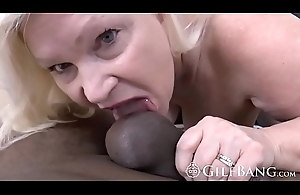 Glorious GILF welcomes a imperceptive BBC in doggystyle