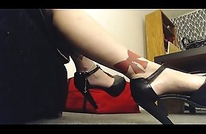 Giantess Mistress wears High Heels to Twitting Little Man