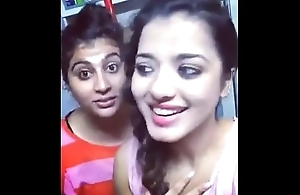 asha and soni pressing pair doing dubsmash
