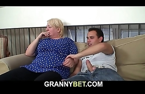 Old granny pleases youthful dude