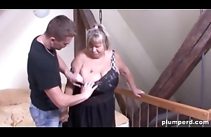 Horny age-old cunt is so happy to be fucked unconnected with a big young cock