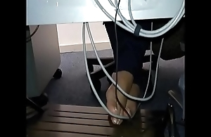 Cams4free.net - Candid Feet more Swatting Secondary to Desk