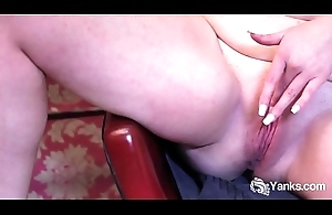 Yanks BBW Lexus Soaks the Chair