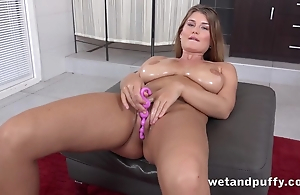 Belle with hefty untalented melons loves toying their way wet crack