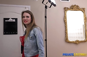 Blonde takes money for fast lovemaking at private casting